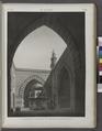 Le Kaire (Cairo). Vue perspective intérieure de la Mosquée de Soultân Hasan (NYPL b14212718-1268748).tiff