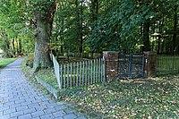 Leer - Logaer Weg - Philippsburger Park - Jüdischer Friedhof 10 ies.jpg