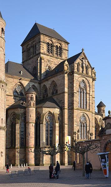 http://upload.wikimedia.org/wikipedia/commons/thumb/0/01/Liebfrauenkirche%2C_Tier_%28by_Pudelek%29.jpg/356px-Liebfrauenkirche%2C_Tier_%28by_Pudelek%29.jpg?uselang=ru