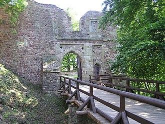 Litice Castle - Image: Litice castle entering gate