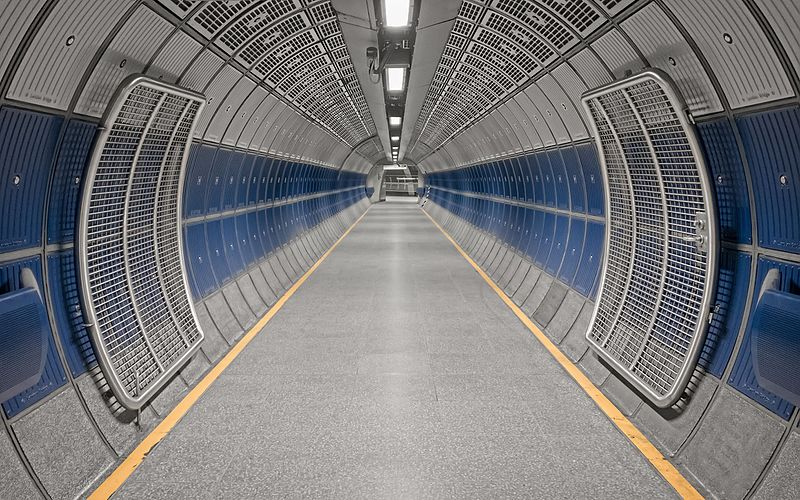 File:London Bridge Underground tunnel (33466504566).jpg