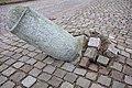 Lutande stenpelare 03.jpg