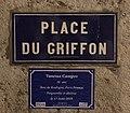 Mémoire trans (Vanessa Campos) et plaque de la place du Griffon (Lyon).jpg