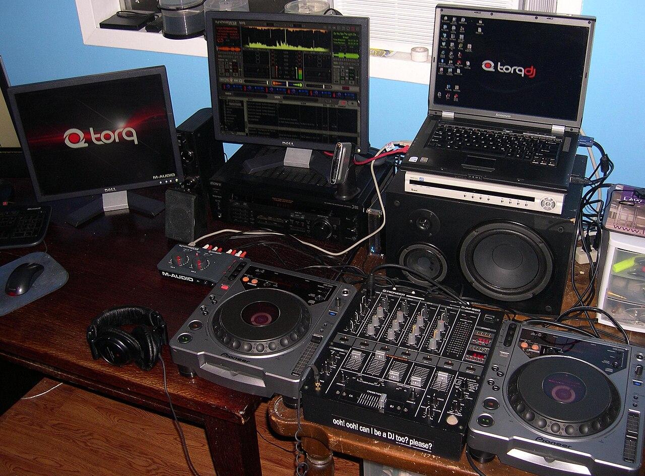 File:M-Audio DJ Blax.jpg