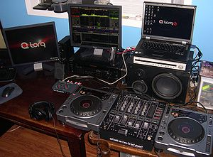 My M-Audio / Pioneer CDJ setup. /Blaxthos 05:0...