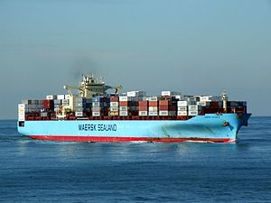 Maersk Kolkata p01 approaching Port of Rotterdam, Holland 21-Feb-2005.jpg