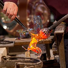 220px-Making_a_Glass_Horse_(7251890544).