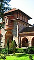 Manastir Žiča, ulazna kapija - panoramio.jpg