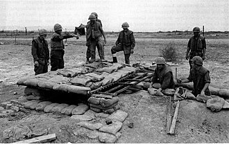 Con Thien - Marines from 1st Battalion, 4th Marines build a fighting bunker, Con Thien, January 1968