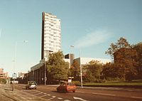 Mathematics Tower, Oxford Road, Manchester 1985.jpg