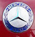Mercedes-Benz (17095040601).jpg