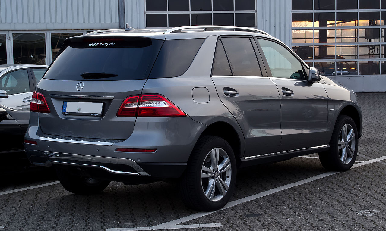 file mercedes benz ml 250 bluetec 4matic w 166 heckansicht 24 m rz 2012. Black Bedroom Furniture Sets. Home Design Ideas