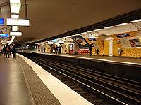 Metro Paris - Ligne 2 - station Etoile 01.jpg