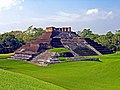 Mexico-3070 - Comalcalco - the only Mayan Brick Pyramid (2213925341).jpg