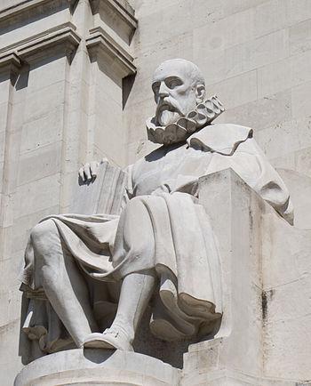 Miguel de Cervantes - Monumento a Miguel de Cervantes