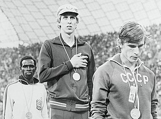 Athletics at the 1972 Summer Olympics – Men's 800 metres - Image: Mike Boit, Dave Wottle, Yevhen Arzhanov 1972