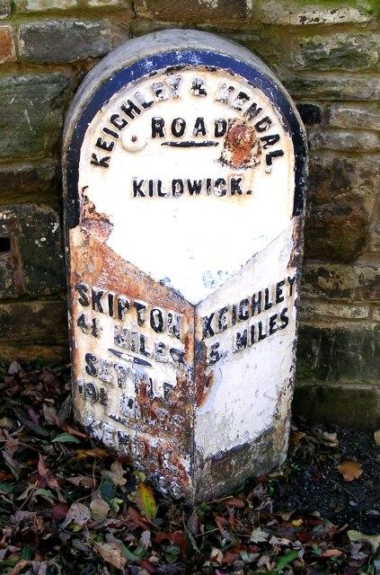 Milestone - Skipton Road, Kildwick - geograph.org.uk - 1016832
