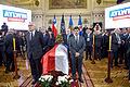 Ministro Marcelo Díaz asiste al velorio del ex Presidente de la Republica Patricio Aylwin en el ex Congreso Nacional (26272031370).jpg