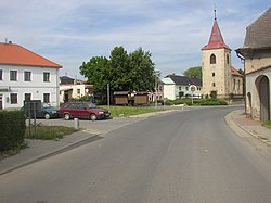 Mlekojedy LT CZ village square from SW 156.jpg