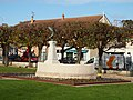 Moissy-Cramayel-FR-77-monument aux morts-01.jpg