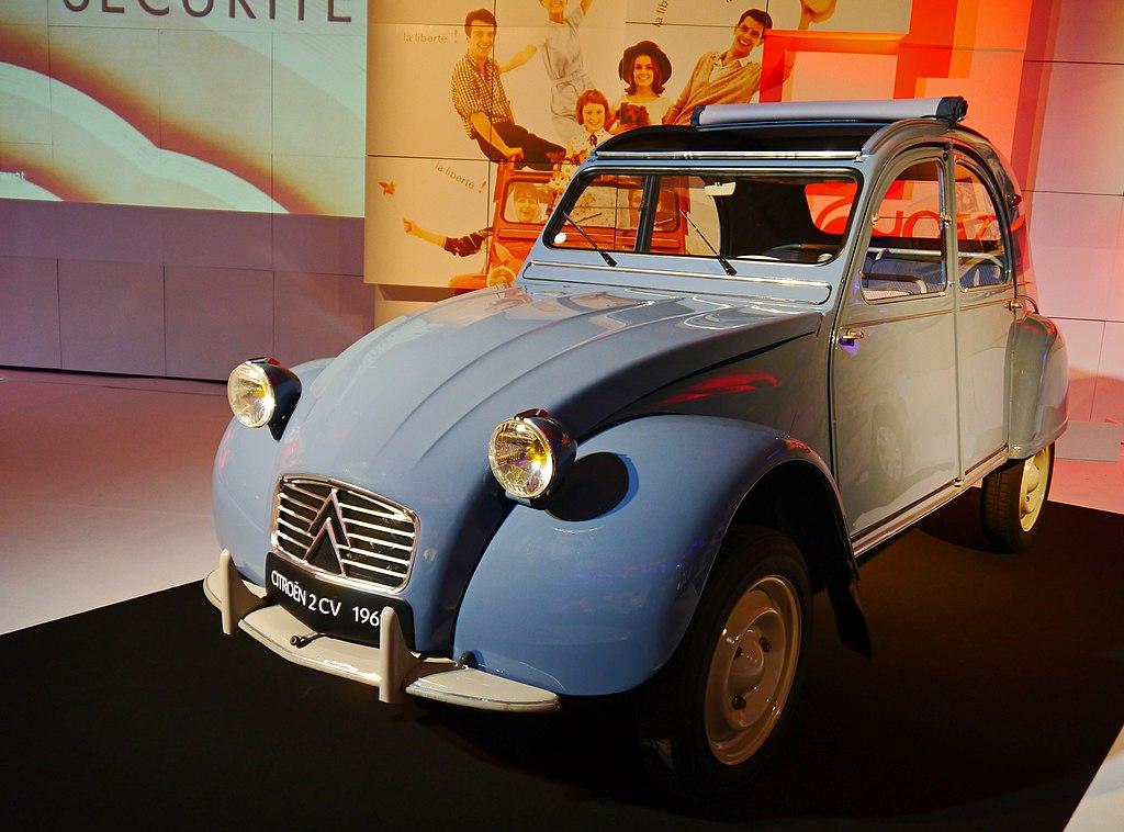 file mondial de l 39 automobile 2012 paris france 8665391217 jpg wikipedia. Black Bedroom Furniture Sets. Home Design Ideas