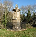 Monument to Sir Bevil Grenville - Battle of Lansdown 1643 - panoramio.jpg