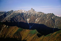 Mount Yari from Mount Otensho.jpg