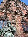 Muzeum Narodowe (Wrocław)-rzeźba.jpg