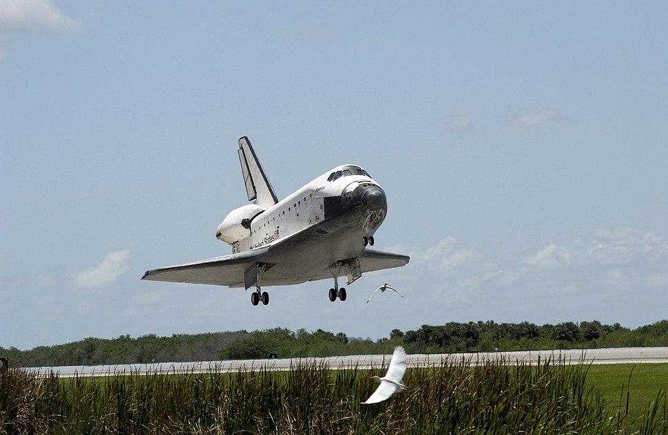 NASA Space Shuttle Atlantis landing (STS-110) (19 April 2002)