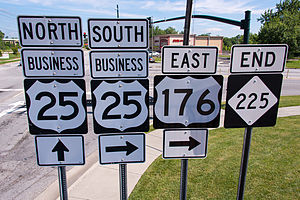 Special routes of U.S. Route 25 - Sign assembly in Hendersonville