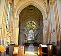 Nef de l'église Saint-Sauveur de Beaumont-en-Auge.jpg