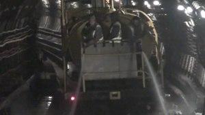 File:Noční úklid pražského metra.ogv