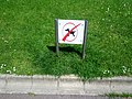 No dogs sign (18795860906).jpg