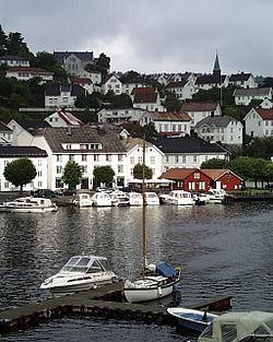 Norway Aust-Agder Tvedestrand Pier 2000.jpg