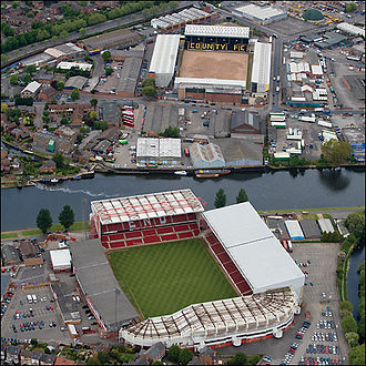 City Ground - Aerial image showing the proximity of the City Ground (bottom) to Meadow Lane.