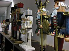 Nutcracker doll - Wikipedia