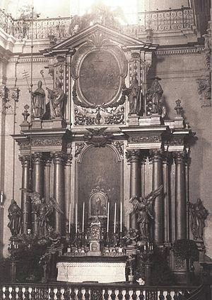 Holy Cross Church, Warsaw - National Altar (Ołtarz Ojczyzny), symbolizing national unity, was built ca. 1700 to a design by Tylman Gamerski.