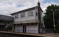 Oakleigh Park railway station MMB 04.jpg