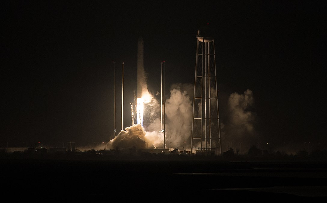 Orbital ATK CRS-9 Launch (NHQ201805210001).jpg