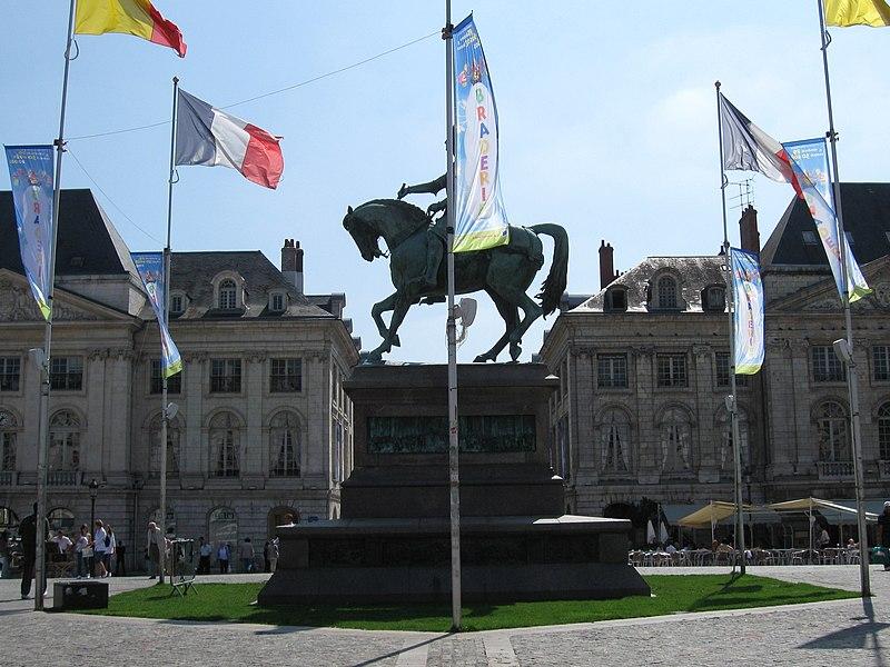 Statue de Jeanne d'Arc place du Martroi, Orléans, Loiret, France