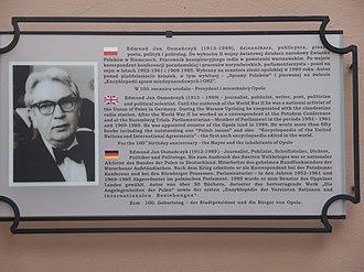 Edmund Osmańczyk - Plaque of Edmund Osmańczyk in Opole