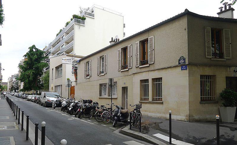 Fichier:P1110151 Paris XIV rue Bezout rwk.JPG