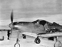 Судя по показателям таблицы, фронтовые боевые самолеты, поступавшие по ленд-лизу, по своим тактико-техническим...