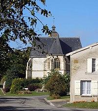 PA00078506 vue de l'église Saint Maurice de Saint Morel Ardennes.jpg