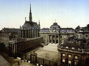 Palais de Justice and Holy Chapel, Paris, France.jpg