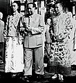 Panchen Lama, the 14th Dalai Lama of Tibet and Mao Zedong in Beijing on 11 September 1954 (cropped).jpg