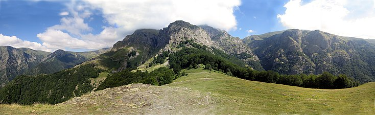 Panorama Ray hut & Botev peak