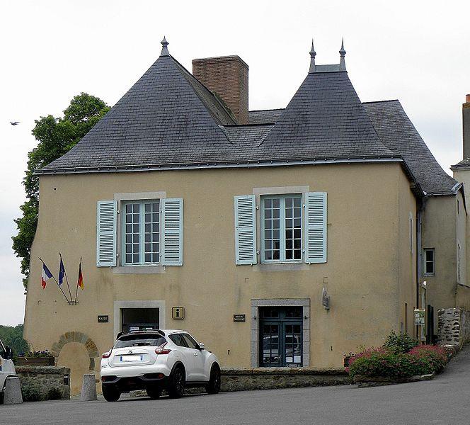 Mairie de Parné-sur-Roc (53).