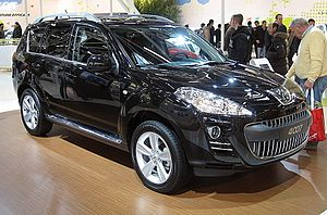 Peugeot 4007 Front-view.JPG