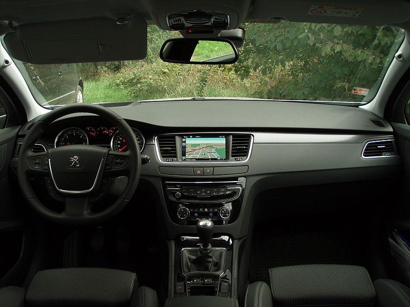 File peugeot 508 facelift interior 5 jpg wikimedia commons for Interior peugeot 508